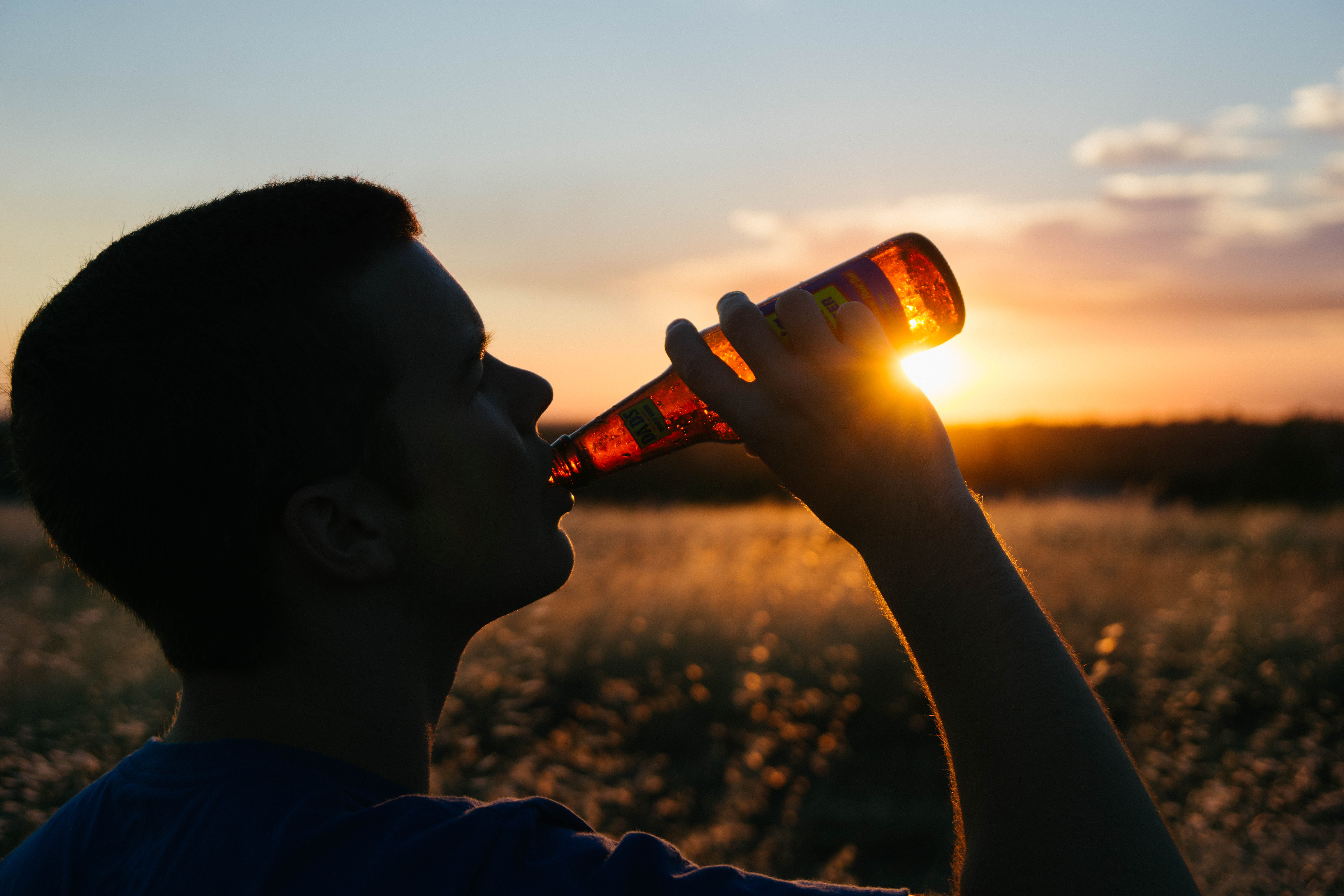 Molson Canadian, Coors Light and Mill Street on Tap for Canadians on Social Media